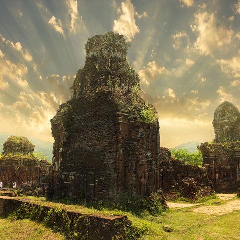 Die Tempelstadt My Son mit uralten Steinbauten der Cham-Kultur, Vietnam