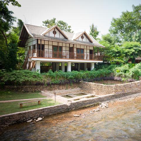 Die Muang La Lodge mit ihrem Quellwasser Pool, Laos