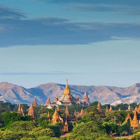 Bagan mit seinen über 2000 Pagoden © Noppakun, Dreamstime.com