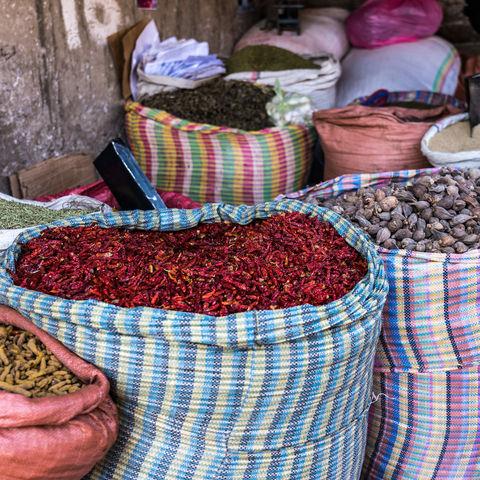 Zahlreiche himmlische Gewürze auf dem Mercato in Addis Abeba, Äthiopien