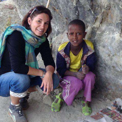 Verkauf von Souvenirs auf dem Weg zum Felsenkloster Asheten Maryam © Caroline Smith, a&e erlebnisreisen
