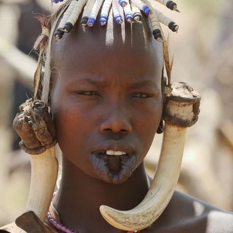 Eine Frau vom Volk der Mursi, Äthiopien