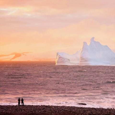 Eisberg im Sonnenuntergang, Antarktis