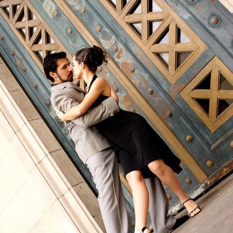 Feuriger Tango-Tanz in den Straßen von Buenos Aires, Argentinien