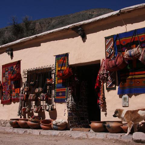 Waren zum Verkauf im Tal Quebrada de Humahuaca, Argentinien