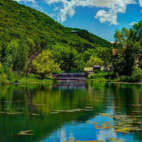 Idyllische Seenlandschaft, Jermuk, Armenien
