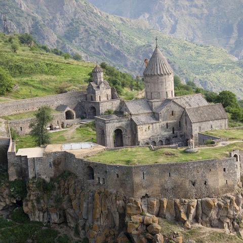 Das Kloster Tatev aus der Vogelperspektive, Armenien