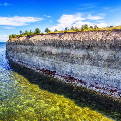 Beeindruckende Steilklippe auf der Insel Saaremaa, Estland, Baltikum