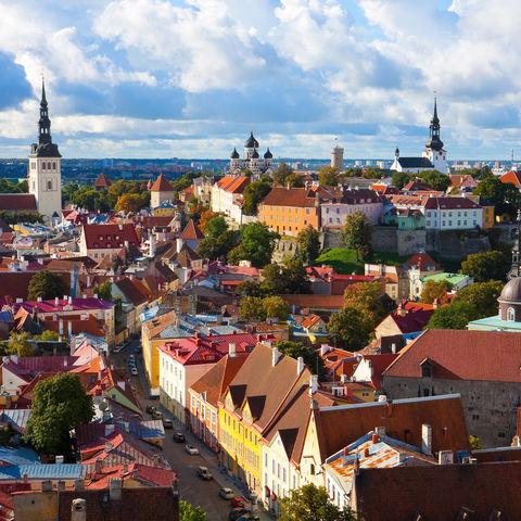Mittelalterlich anmutend: die Altstadt von Tallinn, Baltikum