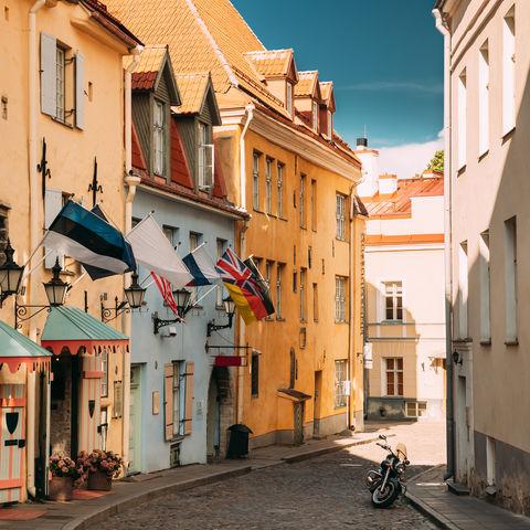 Ruhige Puhavaimu Straße in Tallinns Altstadt, Estland