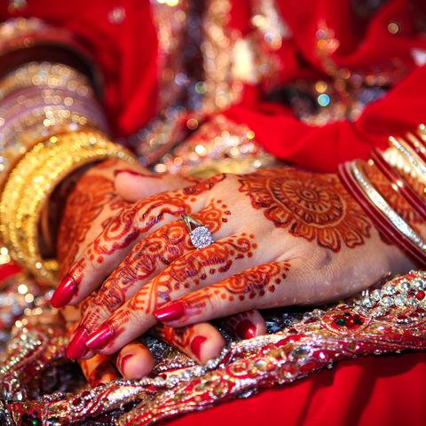 Henna-Tattoos auf einer Hochzeit, Bangladesch