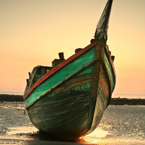 Boot am Strand von St. Martin, Bangladesch
