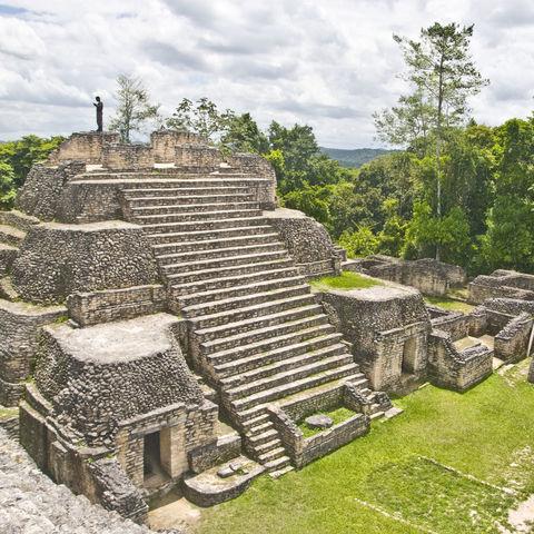Auf den Spuren der Maya durch Belize: Caana Pyramide in Caracol, Belize
