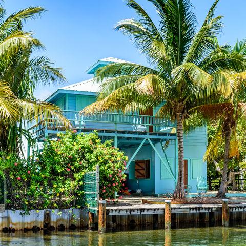 Buntes Haus in Placencia, Belize
