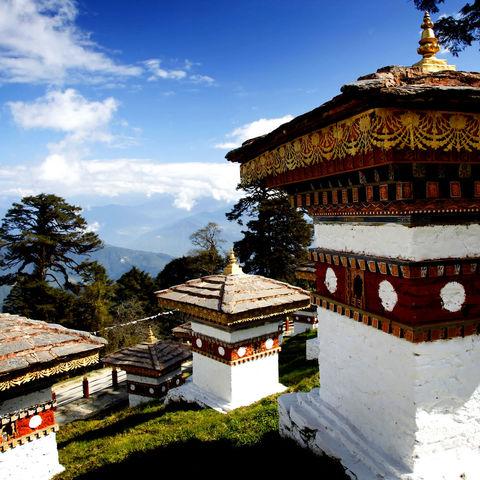 Stupas auf dem Dochula Pass mit dem perfekten Himalaya-Ausblick!, Bhutan