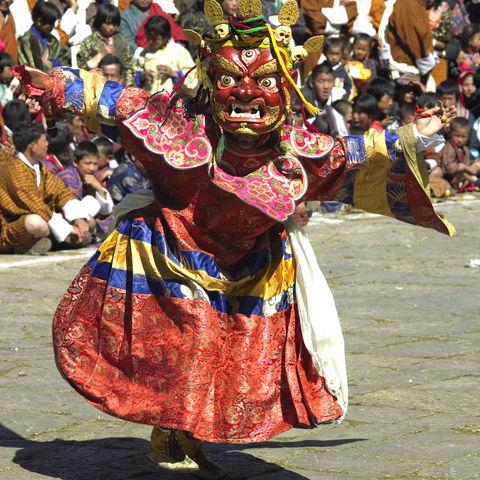 Maskierter Tänzer in Paro, Bhutan