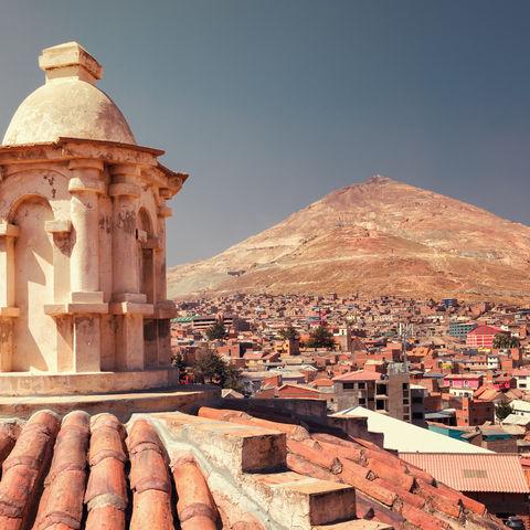 Panoramablick über die Silberminen auf dem Cerro Rico Berg von der San Francisco Kirche in Potosi aus, Bolivien