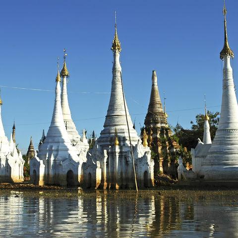 Stupas am Inle-See