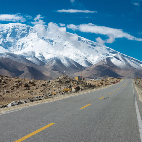 In Chinas Westen unterwegs: Karakorum Highway, Xinjiang, China