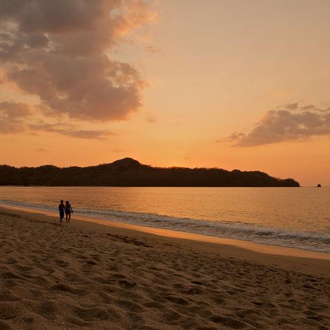 Traumhafter Sonnenuntergang am Strand, Costa Rica