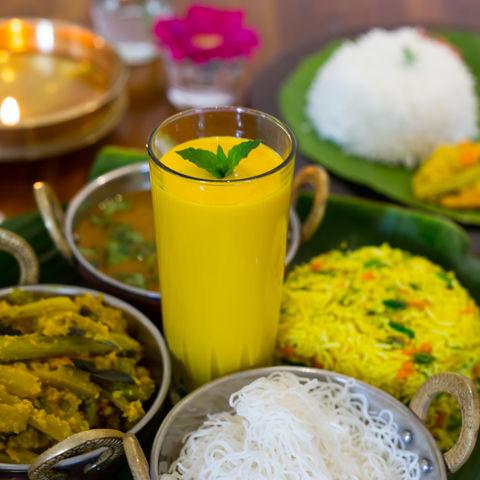 Ayurveda Mahlzeit @NEUEWEGE #TITEL 1: Mhmm einfach köstlich! #TITEL 2: Frische, ayurvedische Mahlzeit, Ayurveda