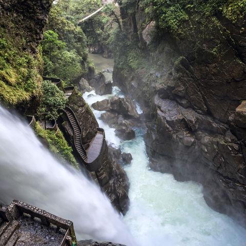 In der Teufelsschlucht: Wasserfall Pailon del Diablo, Baños, Ecuador