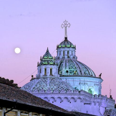 Märchenhafter Anblick der La Compañía de Jesus in Quito, Ecuador