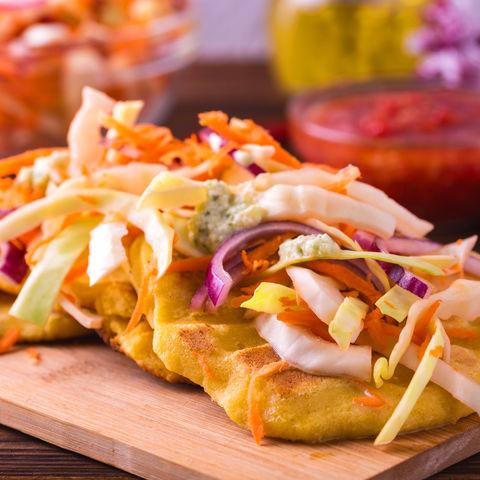 Genuss für den Gaumen: Maistortillas (Pupusas) gefüllt mit Käse und Bohnen, El Salvador