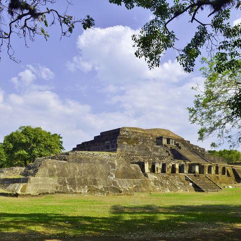 """Der Name der Maya Ruine Tazumal bedeutet auf Quiché-Maya so viel wie """"Ort der Opferverbrennung"""