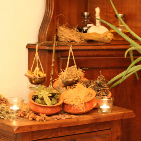 Kräuter für die Ayurveda-Kur @NEUE WEGE, Ayurveda