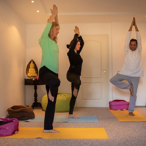 Teilnahme am Yogakurs @NEUE WEGE, Ayurveda