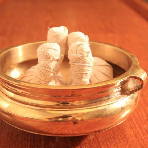 Ayurvedische Behandlungsmethoden @NEUE WEGE, Ayurveda