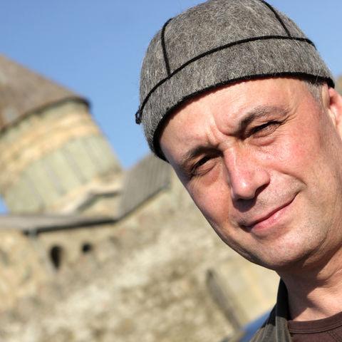 Georgier mit traditioneller Kopfbedeckung, Georgien
