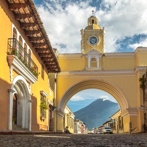Wahrzeichen von Antigua: Der Santa Catalina Bogen (Arco de Santa Catalina), Guatemala