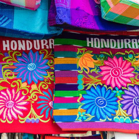 Nicht nur Guatemala, Mexiko und Co. können bunt: hondureñische Stoffe, Copán, Honduras