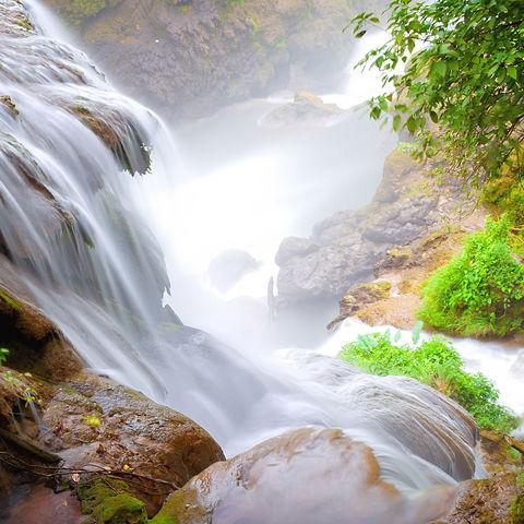 Imposanter Blick von oben: Pulhapanzak Wasserfall, Honduras