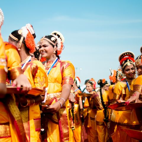 Frauen in Tracht, Indien