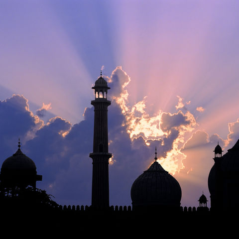 Silhouette einer Moschee in Delhi, Indien