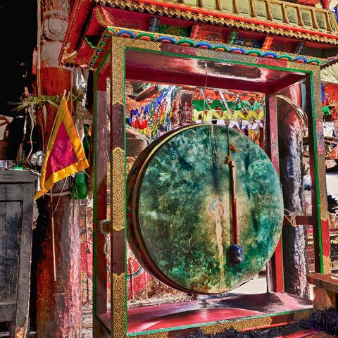 Traditionelle Trommel in einem Kloster in Ladakh, Indien