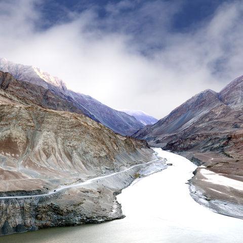 Wo das Zanskar Flusstal auf den Indus stößt © Dr Ajay Kumar Singh, Dreamstime.com
