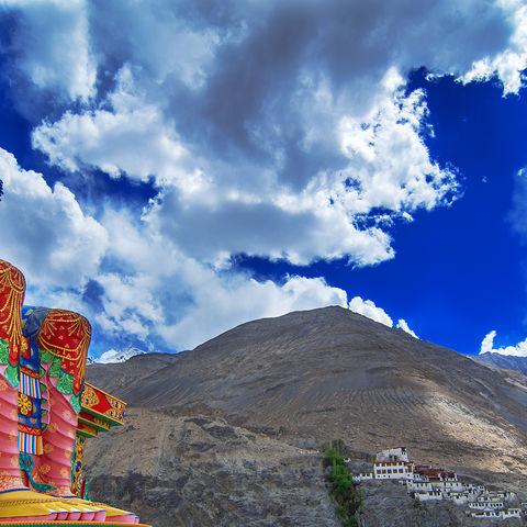 Großer Maitreya-Buddha, Indien