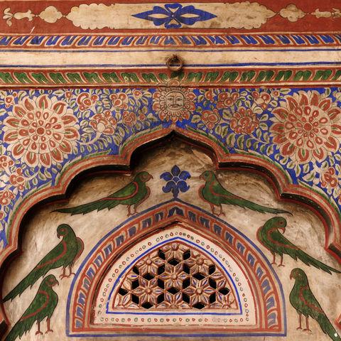 Traditionelle, aufwendig verzierte Wohnsitze in Rajasthan, Indien