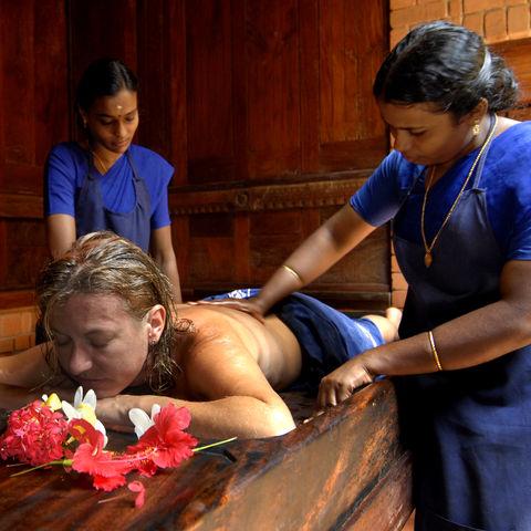 Ayurvedsiche Behandlung, Indien