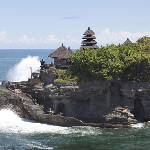 Der Tanah Lot Tempel vor der Westküste Balis, Indonesien