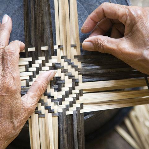 Traditionelle Bambus-Webkunst, Indonesien