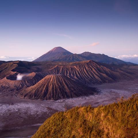 Mount Bromo auf Java bei Sonnenaufgang, Indonesien
