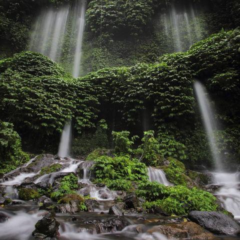 Benang Kelambu Wasserfälle auf Lombok, Indonesien