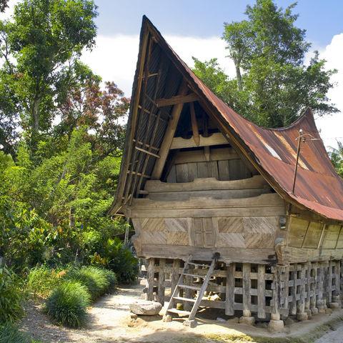 Traditionelles Batak Haus auf der Insel Samosir, Indonesien