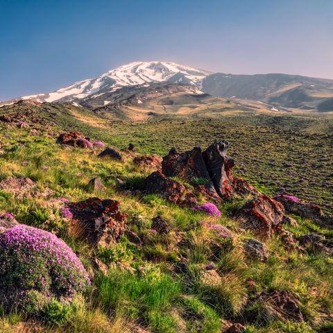 Prachtvolle Landschaft um den Vulkan Damavand, Iran