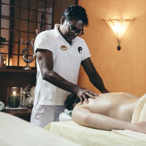 Professionelle Ayurveda-Massage @NEUE WEEGE, Ayurveda